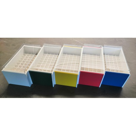Laboratorní box s čirým krytek pro 50 zkumavek LBK1350