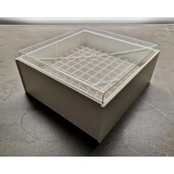 Laboratorní box s čirým krytek pro 100 zkumavek LBK13100